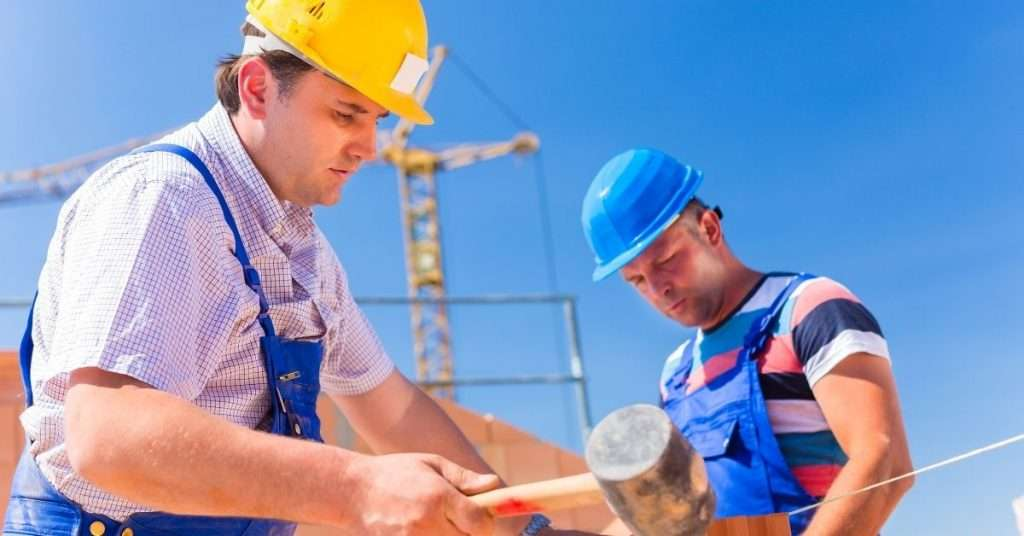 What Are The Pros And Cons Of Hiring Temporary Labour In Canada?
